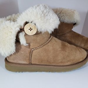 UGG Tan Suede Fur Lined Winter Ankle Booties 9